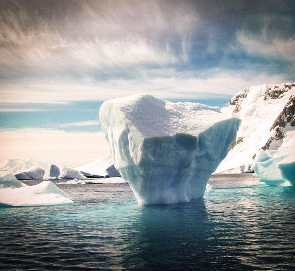 Arctique, Antarctique, la fin des sanctuaires ?