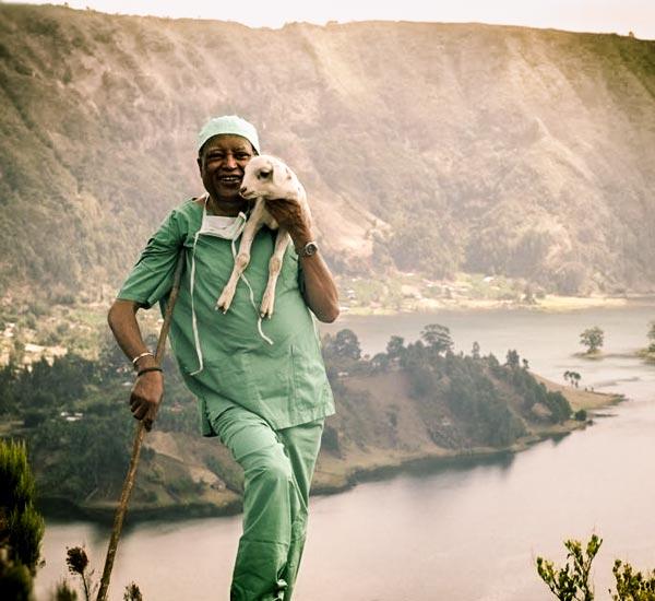 Le berger devenu chirurgien : des hauts plateaux d'Éthiopie aux blocs opératoires